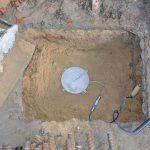 Установка датчиків тиску грунту під підошву плиткової частини фундаменту