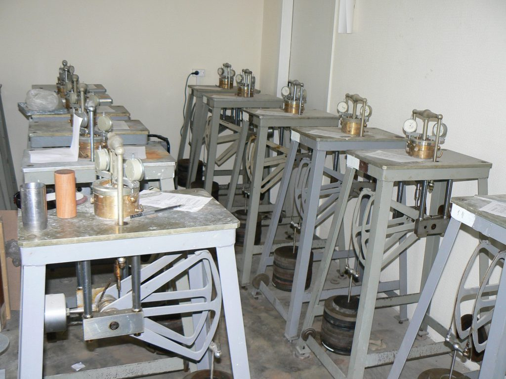 Лабораторні випробування грунтів